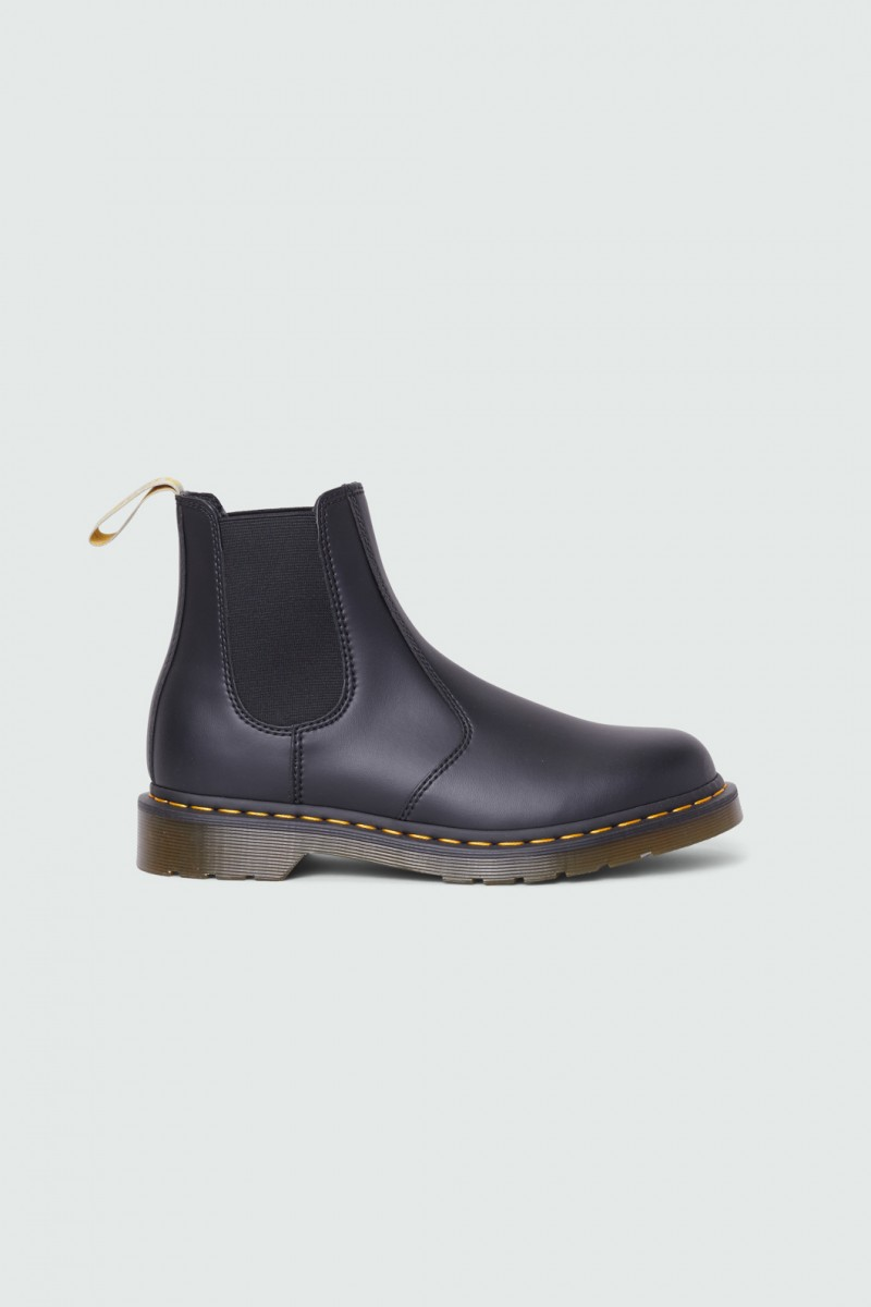 Dr. Martens Vegan 2976 Felix Rub Off
